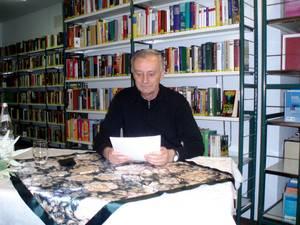 Lesung und Büchertisch mit Reinhard Thon