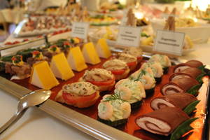 Oster-Lunchbuffet im Parkhotel Plau am See